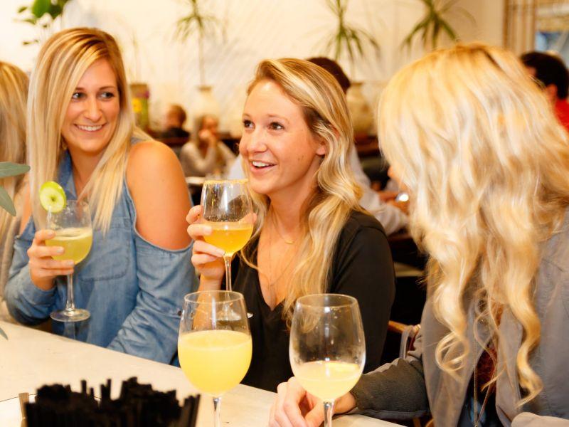 women talking 3